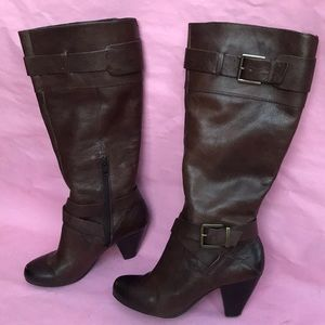 Dark brown Arturo Chiang leather boots